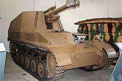 У этой машины вместо стандартного дульного тормоза 18М установлен дульный тормоз от буксируемой 105-мм полевой...