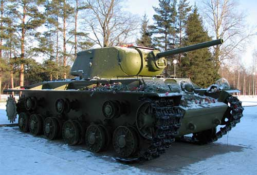 Первые танки КВ-1С