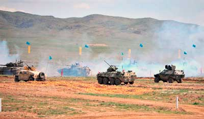 В Астане в честь 25летия Вооруженных Сил Казахстана