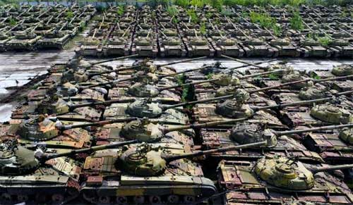 http://pro-tank.ru/images/stories/blog/tanks-armor-news/united-kingdom/ten-cemeteries_tanks-22.jpg