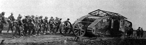 Первые танковые бои